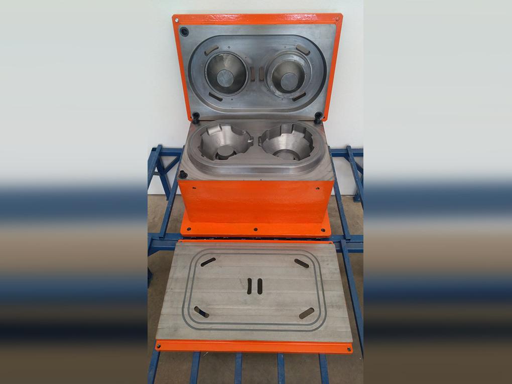 WF Modelação e Ferramentaria - Caixas de Macho - Caixa de Macho para sopro 15 Lts horizontal